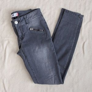 CAbi Gray Front Zipper Skinny Jeans Size 2